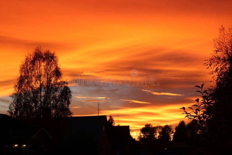 Puesta del sol en Suecia septentrional foto de archivo libre de regalías