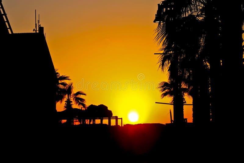 Puesta del sol en TEL AVIV imagen de archivo