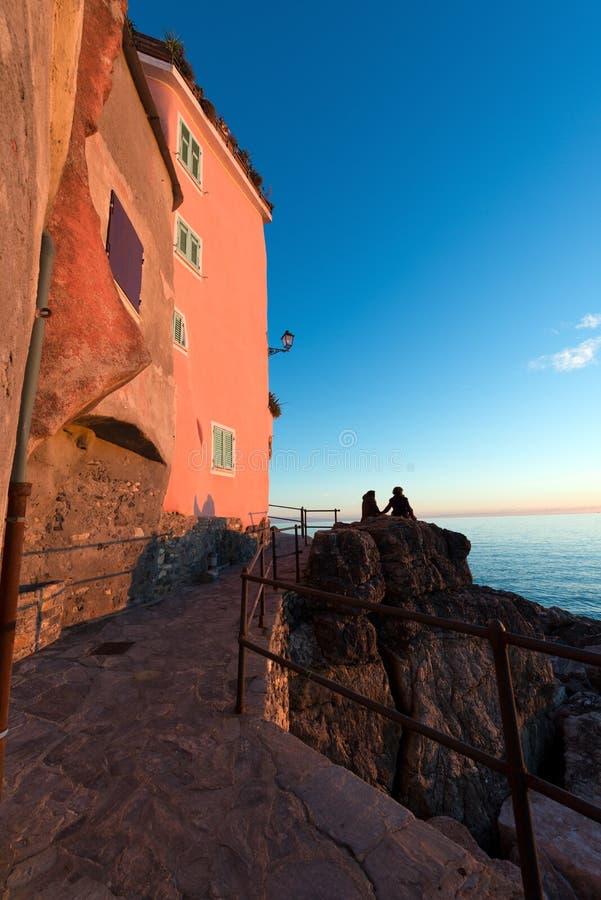 Puesta del sol en Tellaro - Liguria Italia imágenes de archivo libres de regalías