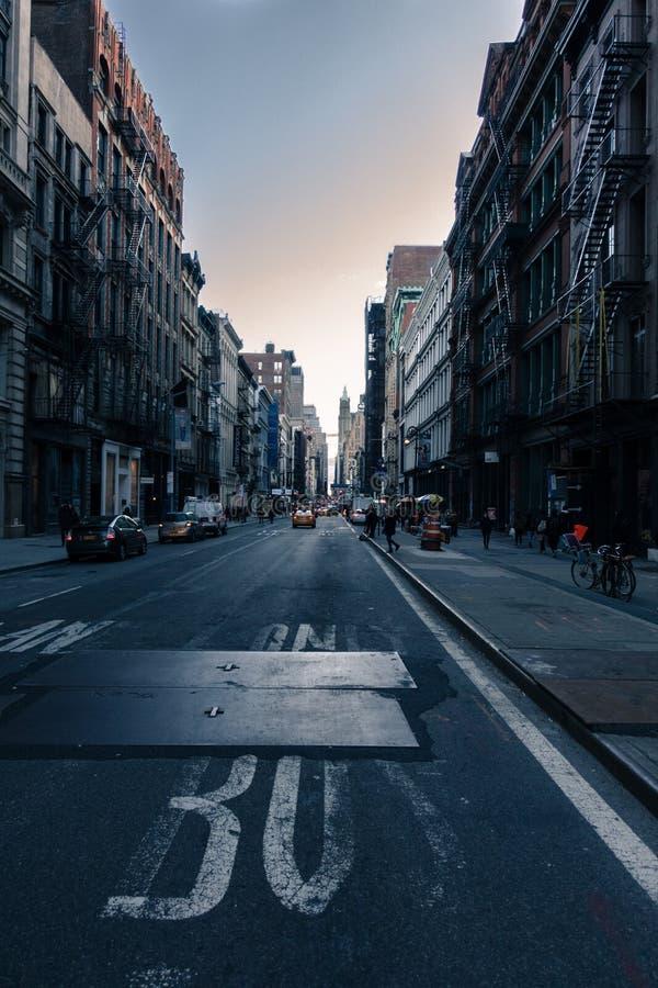 Puesta del sol en un distrito pacífico fotografía de archivo libre de regalías