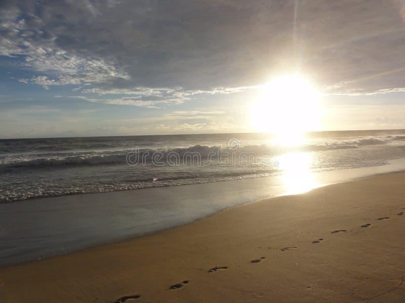 """Puesta del sol en una playa del †""""México de Acapulco fotografía de archivo libre de regalías"""