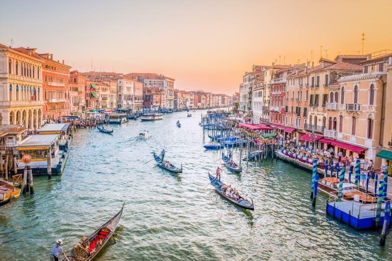 Puesta del sol en Venecia, canal grande imagen de archivo