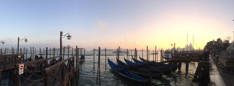 Puesta del sol en Venezia imagenes de archivo