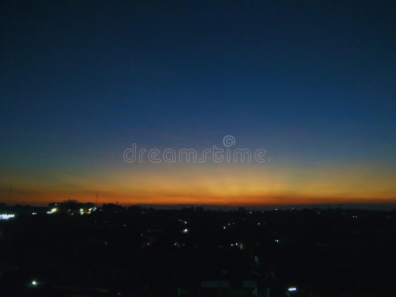 Puesta del sol en Yogyakarta imagenes de archivo