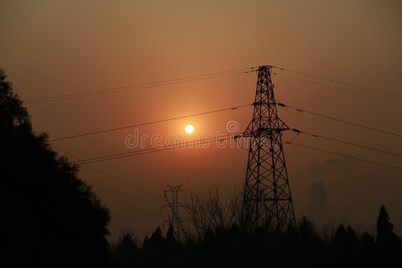 Puesta del sol   Equipo eléctrico foto de archivo libre de regalías