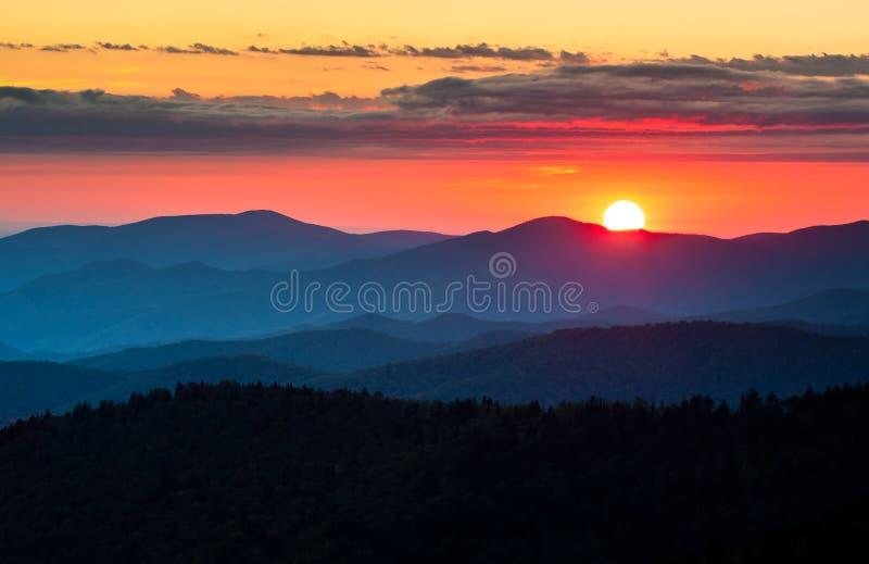 Puesta del sol escénica del parque nacional de Great Smoky Mountains de la bóveda de Clingmans foto de archivo libre de regalías