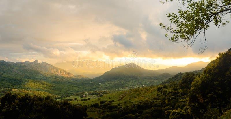 Puesta del sol espectacular de Puerto del Boyar, Grazalema imágenes de archivo libres de regalías