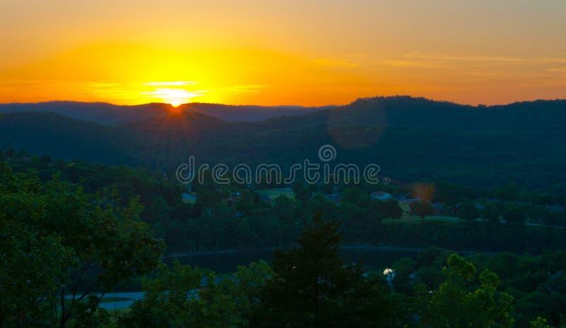 Puesta del sol Eureka Springs Ozarks de Arkansas fotografía de archivo libre de regalías