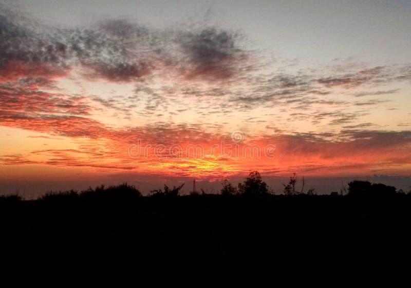 Puesta del sol fantástica fotografía de archivo libre de regalías