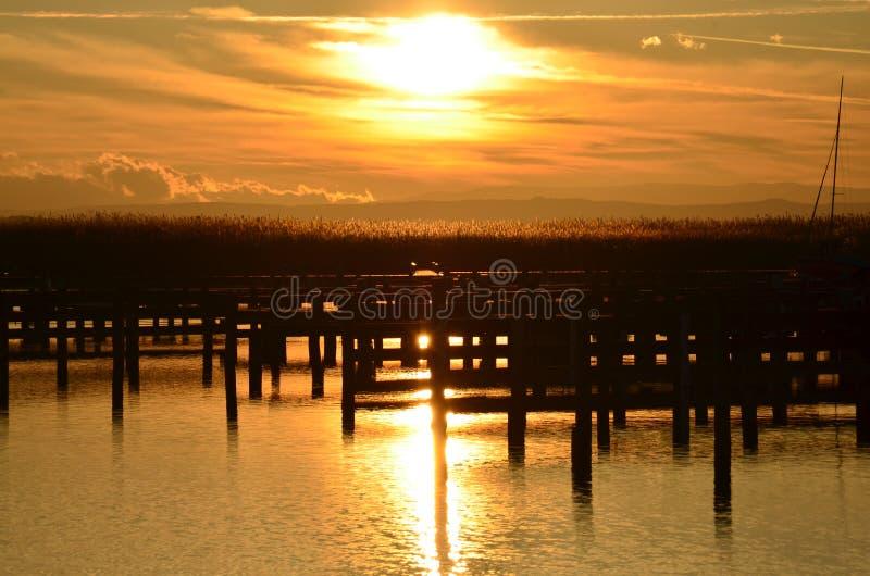 Download Puesta del sol hermosa imagen de archivo. Imagen de horizonte - 64201539
