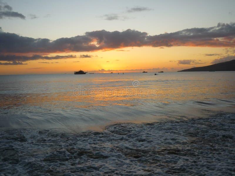 Puesta del sol hermosa de Maui foto de archivo