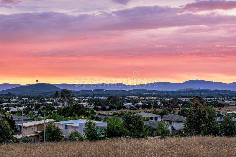 Puesta del sol hermosa en Canberra Australia foto de archivo