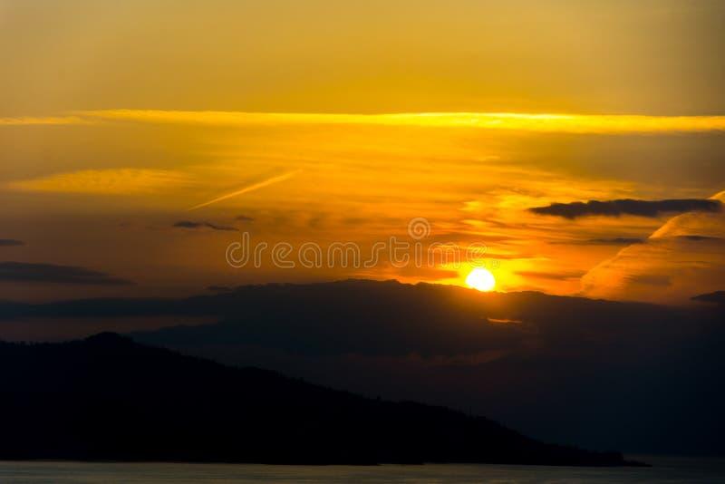Puesta del sol hermosa sobre el Mar Negro fotos de archivo libres de regalías