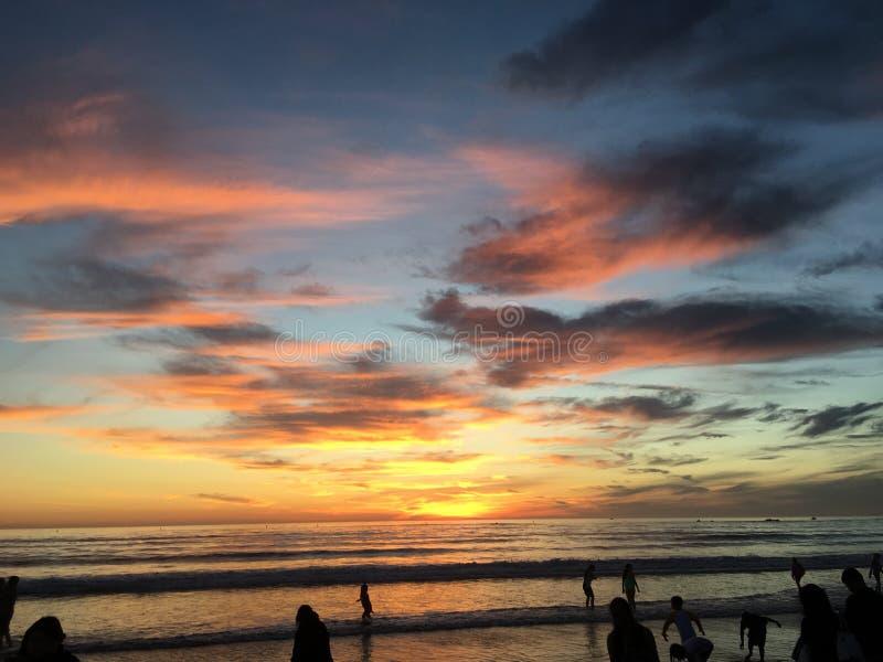 Puesta del sol hermosa sobre Los Ángeles fotos de archivo libres de regalías