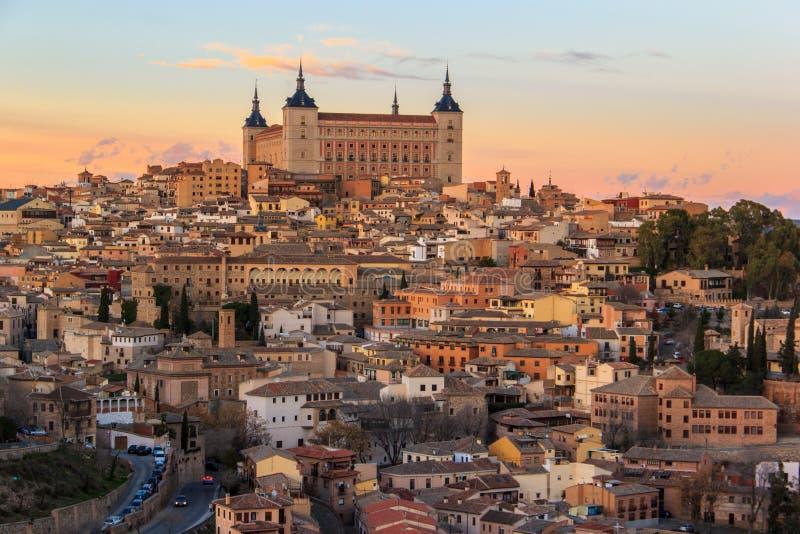 Puesta del sol hermosa sobre Toledo viejo fotos de archivo libres de regalías