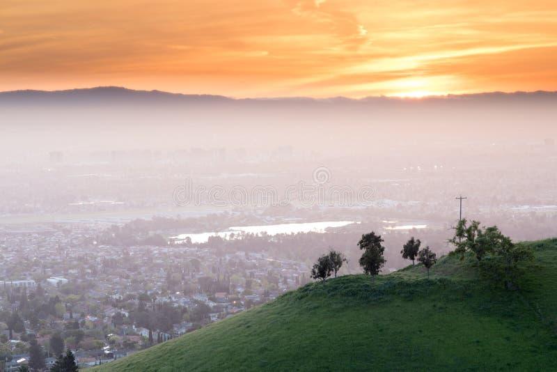 Puesta del sol impresionante de Silicon Valley fotografía de archivo libre de regalías