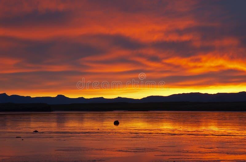 Puesta del sol islandesa fotos de archivo