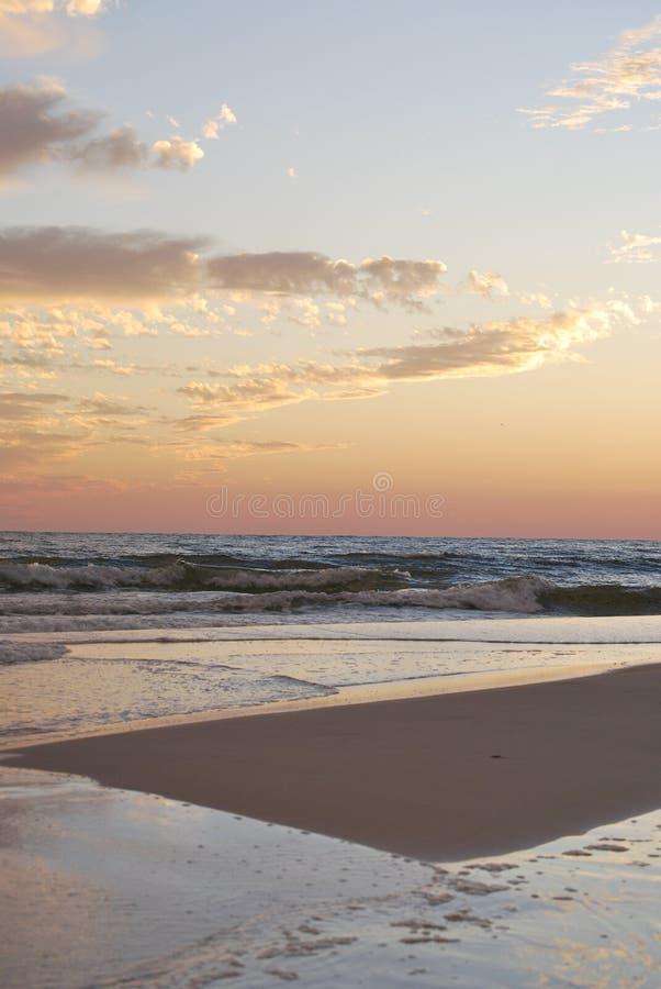 Puesta del sol la Florida Pan Handle de la playa fotografía de archivo libre de regalías