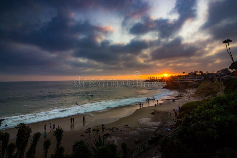 Puesta del sol del Laguna Beach imágenes de archivo libres de regalías