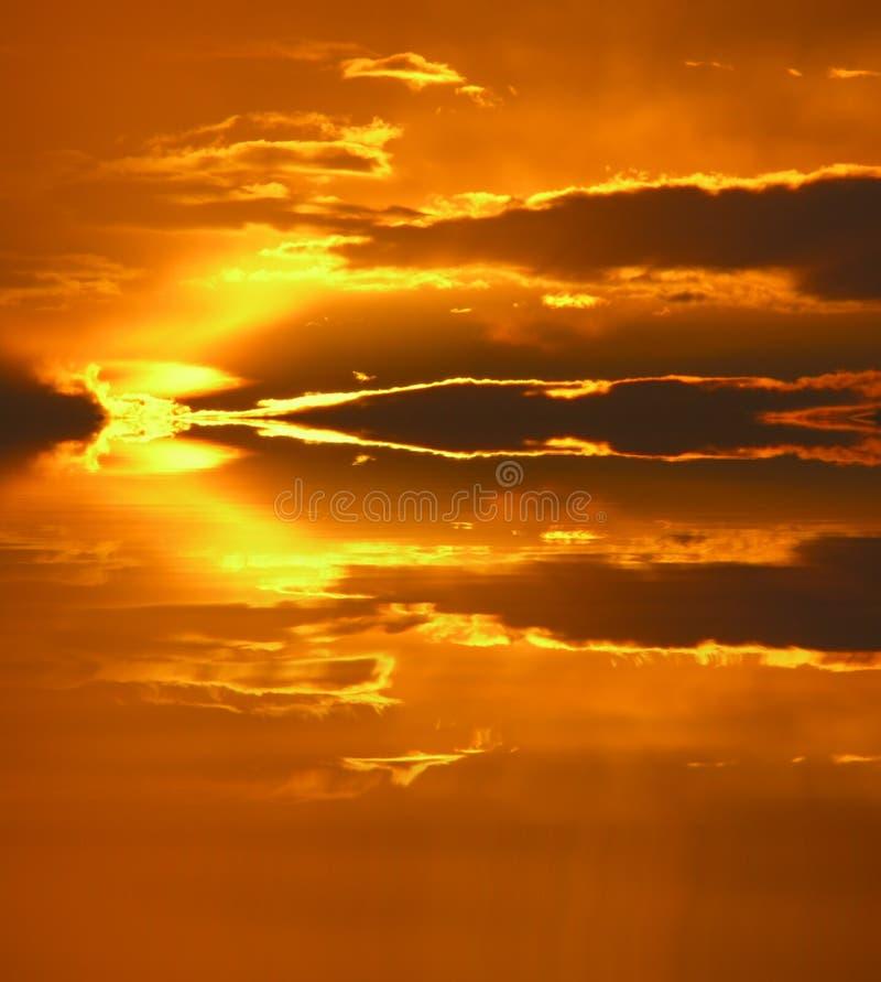 Puesta del sol manipulada imagenes de archivo