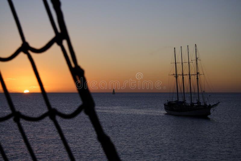 Puesta del sol marítima imagenes de archivo