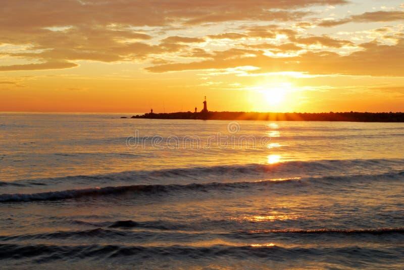 Puesta del sol mediterránea cerca de Marbella, España. imagen de archivo