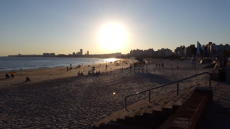 Puesta del sol Montevideo, Uruguay (Malvin) imagenes de archivo