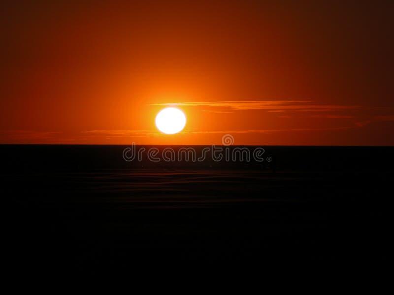 Puesta del sol - Northsee - Dinamarca imagen de archivo