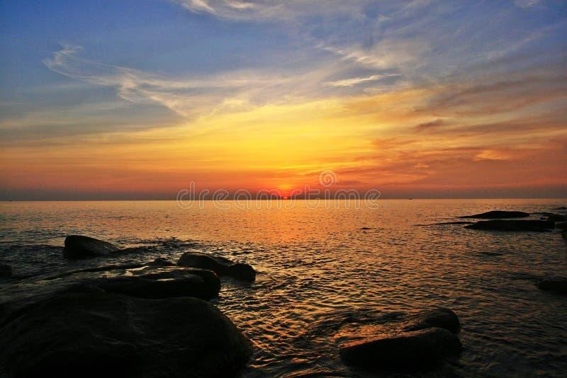 puesta del sol o salida del sol foto de archivo libre de regalías