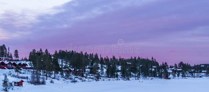 Puesta del sol púrpura foto de archivo libre de regalías