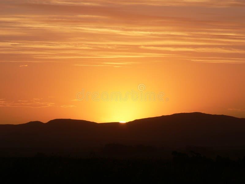 Puesta del sol patagona, la Argentina imagen de archivo