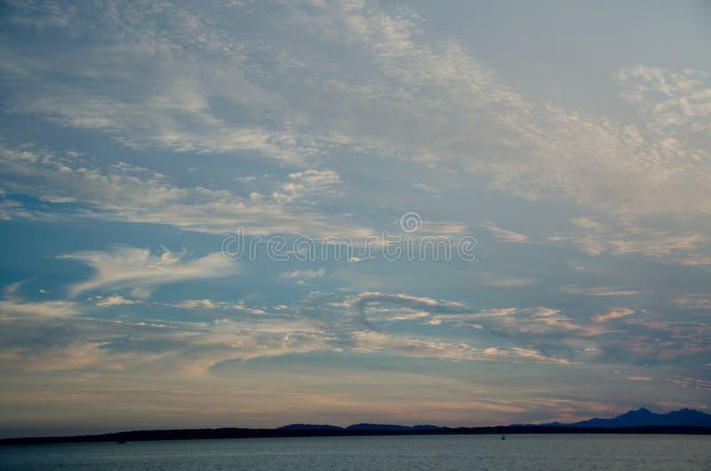 Download Puesta Del Sol Pintoresca En Puget Sound Imagen de archivo - Imagen de oscuridad, saltwater: 100527875