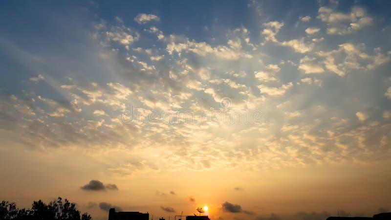 Puesta del sol por satélite y cielo imagen de archivo libre de regalías
