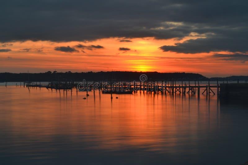 Puesta del sol del puerto de Poole imagen de archivo