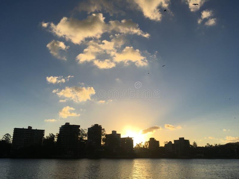 Puesta del sol del río de Brisbane imagen de archivo libre de regalías