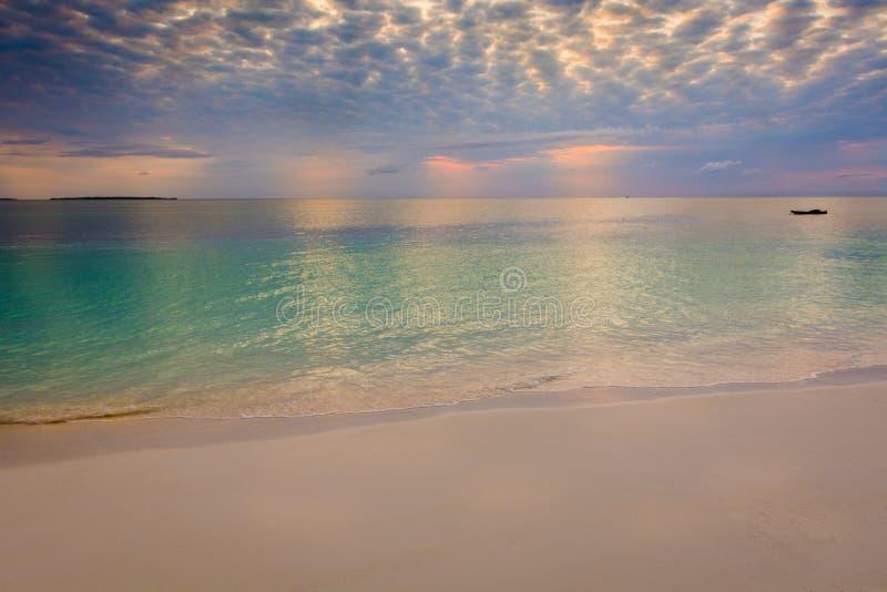 Puesta del sol reservada imagen de archivo libre de regalías