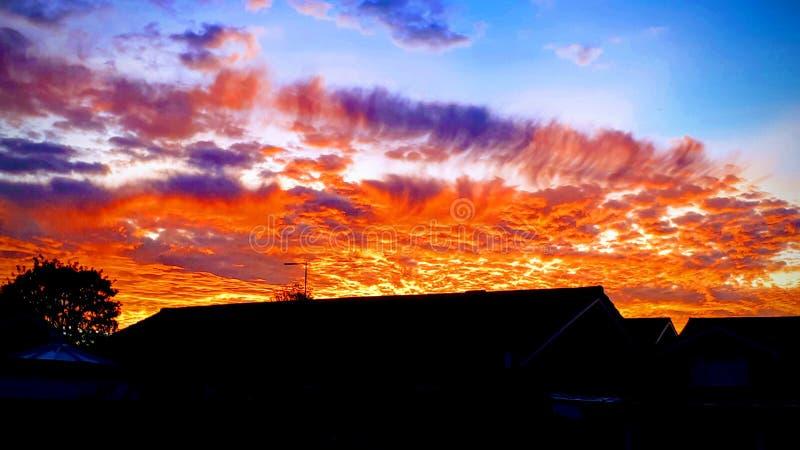 Puesta del sol roja del fuego sobre Thornaby fotos de archivo