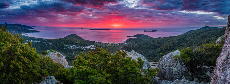 Puesta del sol roja y rosada imponente en parque nacional del promontorio de Wilsons fotos de archivo libres de regalías