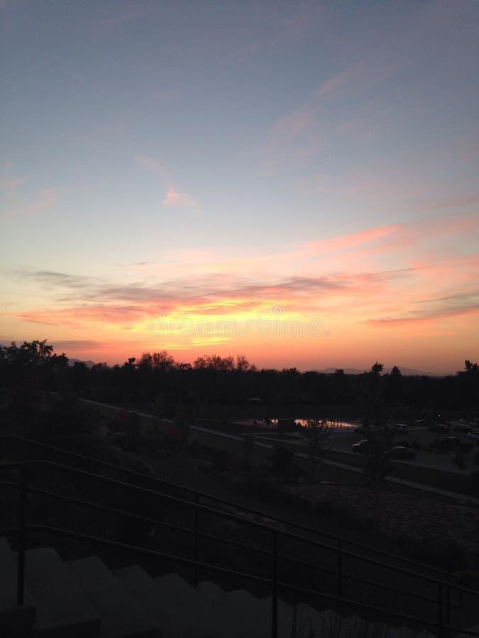 Puesta del sol rosada y anaranjada imágenes de archivo libres de regalías