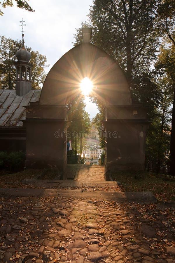 Puesta del sol sobre el Calvary de Wambierzyce fotografía de archivo libre de regalías