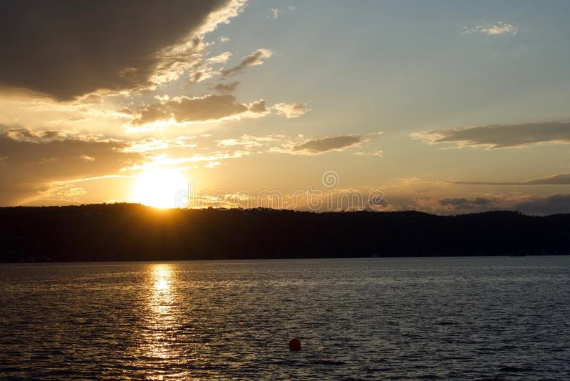 Puesta del sol sobre el Hudson foto de archivo libre de regalías