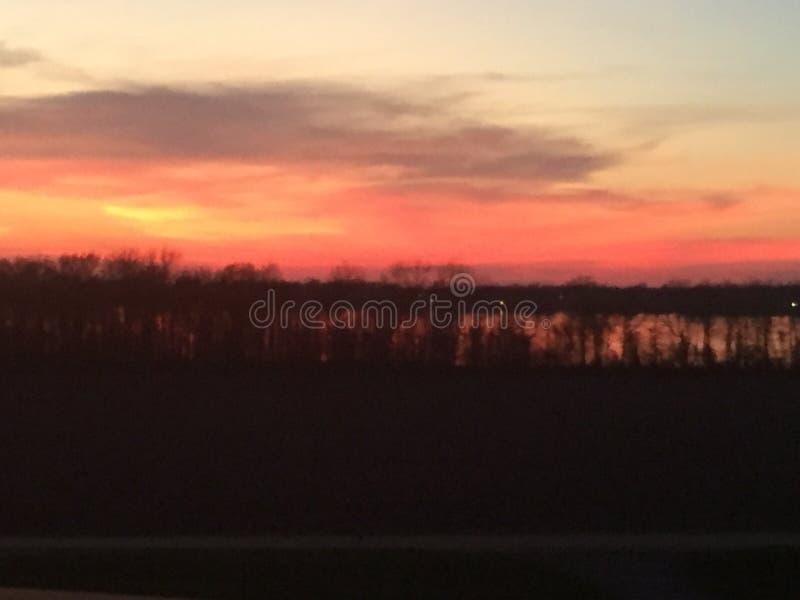Puesta del sol sobre el lago Chico imágenes de archivo libres de regalías