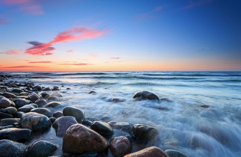Download Puesta Del Sol Sobre El Mar Báltico Imagen de archivo - Imagen de hermoso, polonia: 42438661