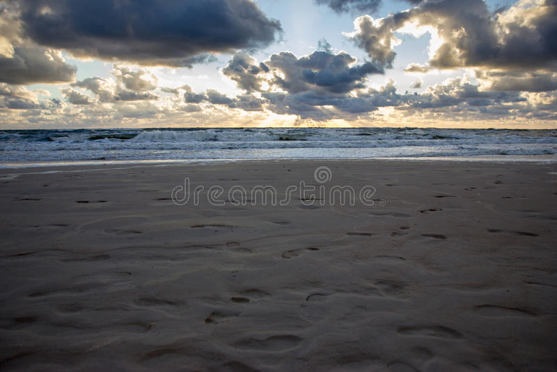 Puesta del sol sobre el mar Báltico fotografía de archivo libre de regalías