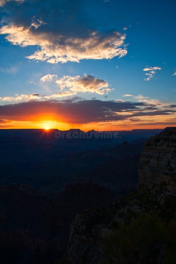 Puesta del sol sobre Grand Canyon imagen de archivo libre de regalías