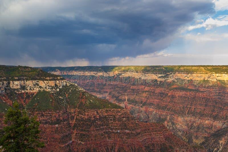Puesta del sol sobre Grand Canyon, borde del norte imagen de archivo