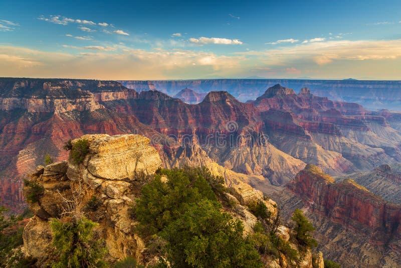 Puesta del sol sobre Grand Canyon, borde del norte fotos de archivo libres de regalías