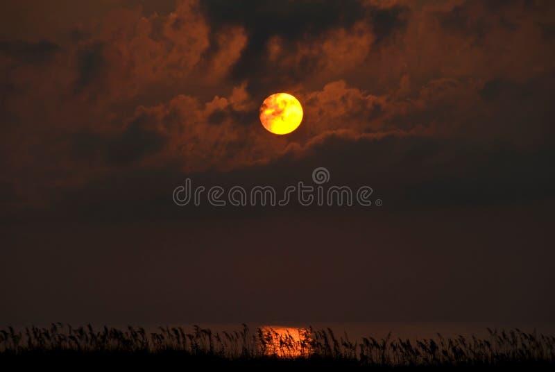 Puesta del sol sobre la bahía, baterías externas, NC imagen de archivo libre de regalías