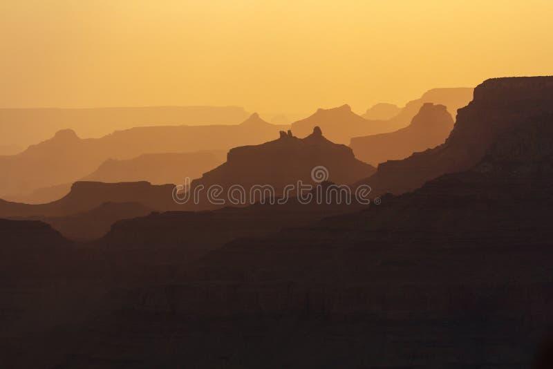Puesta del sol sobre la barranca magnífica imagen de archivo libre de regalías