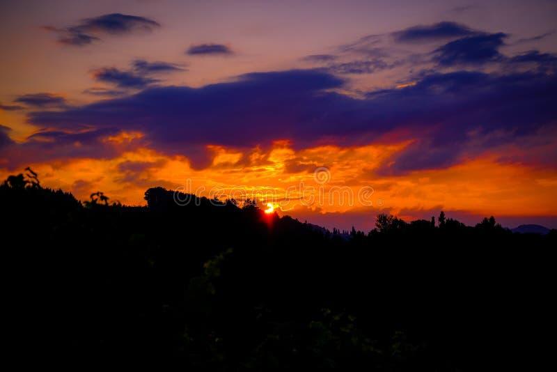 Puesta del sol sobre la ruta del sur del triunfo de Styrian fotos de archivo libres de regalías
